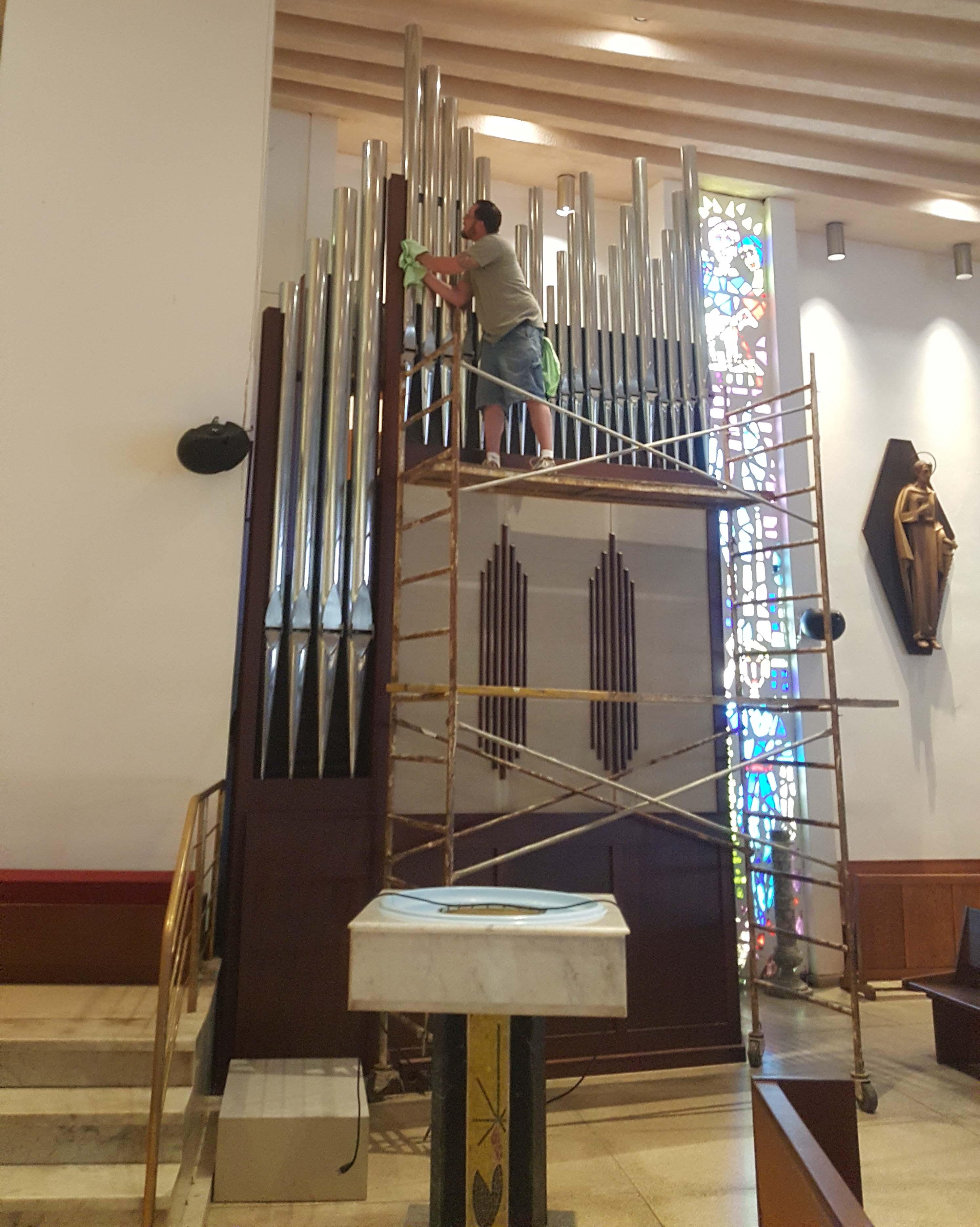 Columbia Organ Works   restoration   renovation of REAL PIPE
